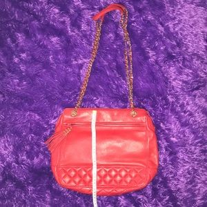 Red quilted shoulder bag w/ chained strap